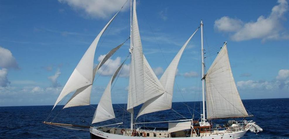Insulinde Charter Yacht