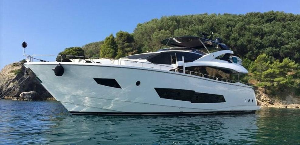 Escape 42 Charter Yacht