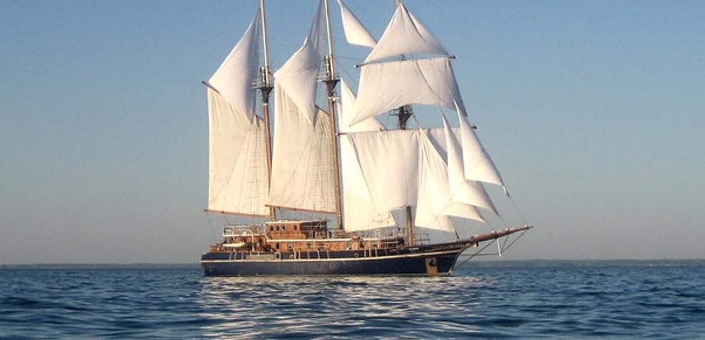 Peacemaker Charter Yacht