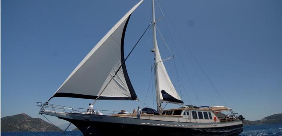 Viva Shira Charter Yacht