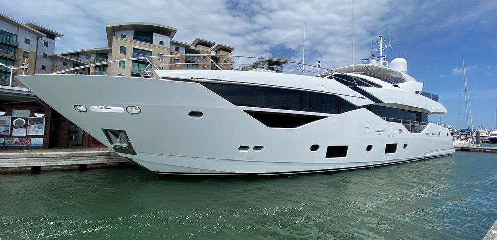 Sedative Charter Yacht