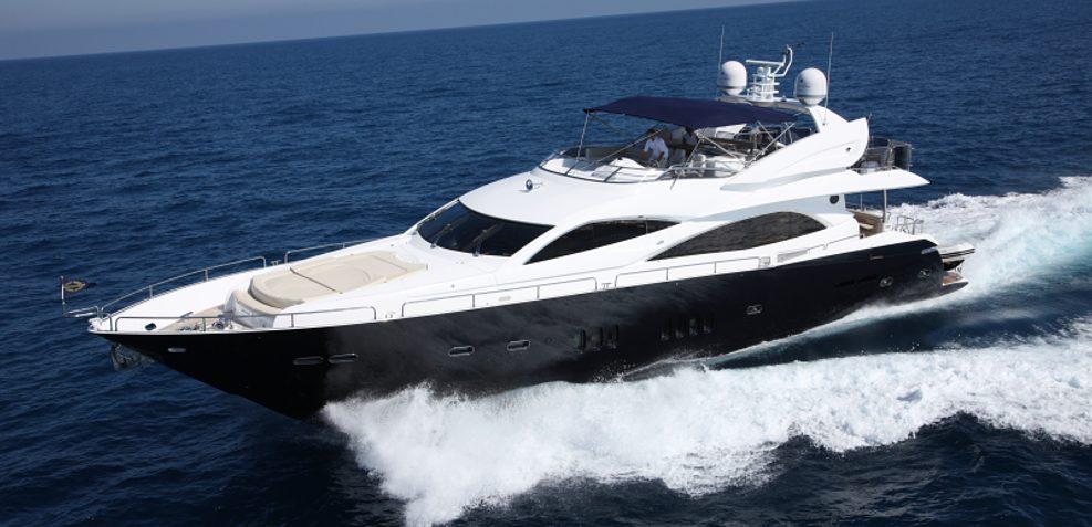 Infiniti I Charter Yacht