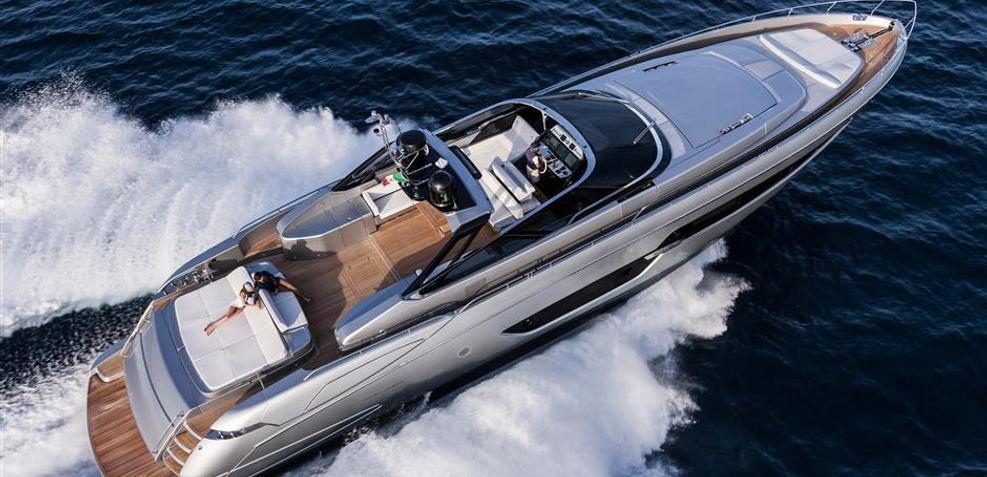 Riva Florida 88 /6 Charter Yacht