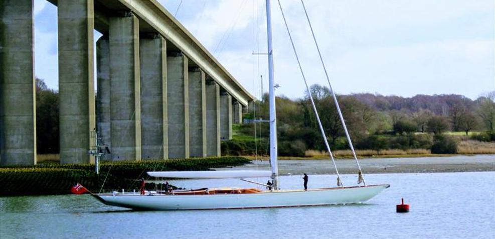 Geist Charter Yacht