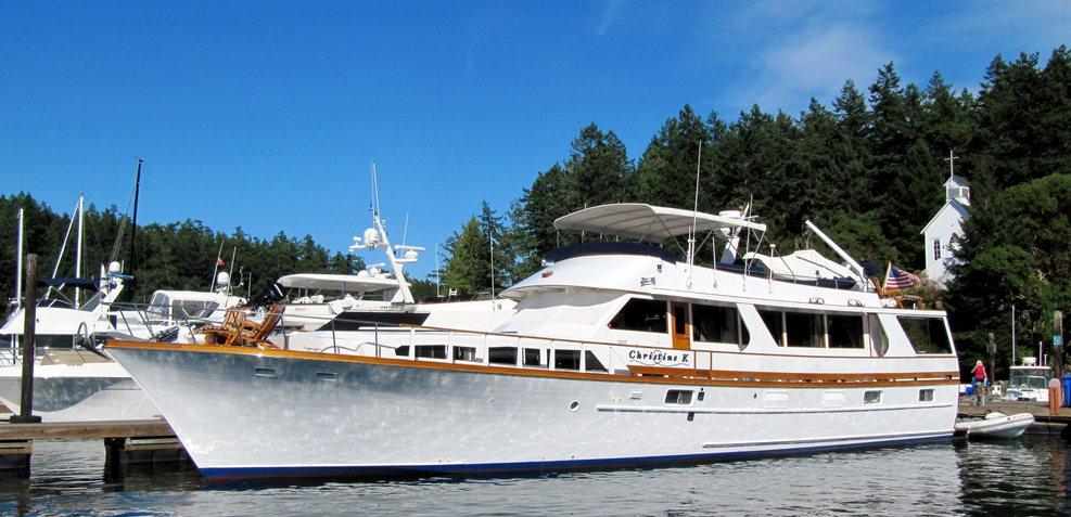 Hakai Charter Yacht