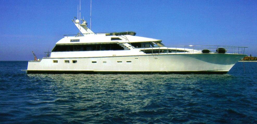 Born Free Charter Yacht