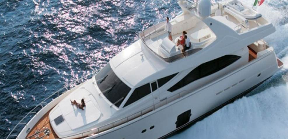 Chi 5 Charter Yacht