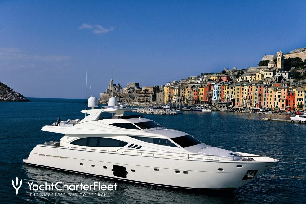 Maxi Beer Charter Yacht